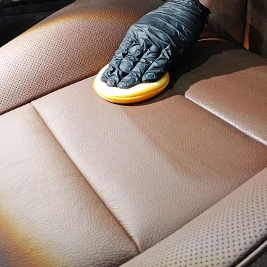 Auto detailing wnętrza samochodu - Tapicerka skórzana